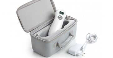 https://www.bardomed.pl/3617-thickbox_default/handy-laser-przenosny-aparat-do-laseroterapii-595-mw-okulary-ochronne.jpg